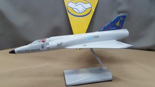 Mirage III C 1//100 model kit Fuerza Aérea Argentina Malvinas Falklands War