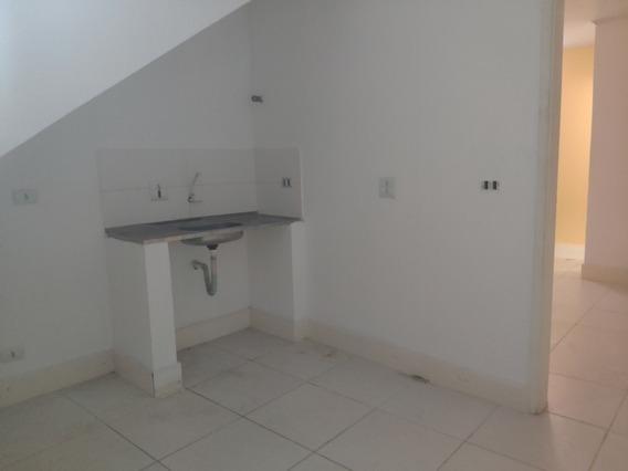 Casa Em Cidade Intercap, Taboão Da Serra/sp De 40m² 1 Quartos Para Locação R$ 650,00/mes - Ca394356