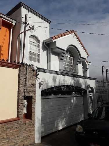 Casa En Venta En Villa Colonial, Tijuana.