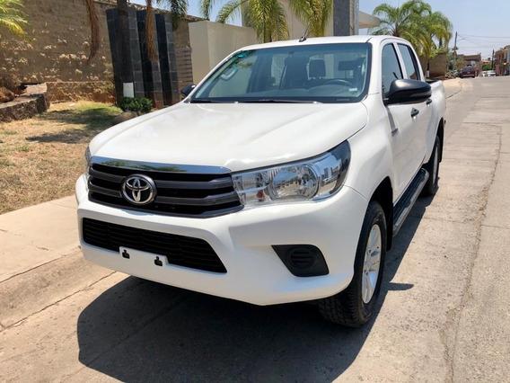 Toyota Hilux Sr 4x2 2.7 Mt 2018