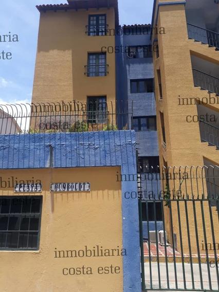 Ref# 016 E La Zona Más Segura Y Exclusiva Del Este De Vargas