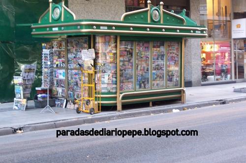Parada De Diarios En Calle Corrientes