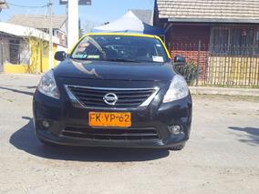Taxi Básico Nissan Versa