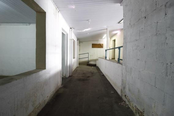 Galpão À Venda, 200 M² Por R$ 900.000 - Socorro - São Paulo/sp - Ga0063