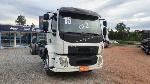Volvo Vm 270 6x2 2015