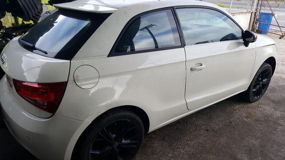 Porta Lado Direito Do Audi A1 ( Apenas Porta )