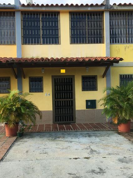 Townhouse En Venta Higuerote