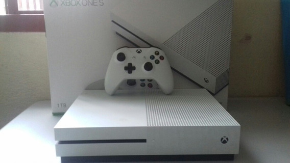 Xbox One S 1tb + 3 Jogos