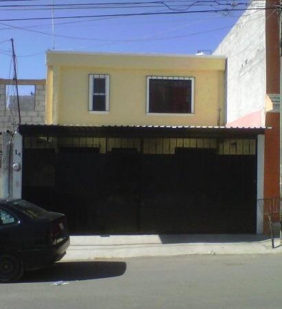 Querétaro, Las Azucenas, Funcional Casa En Venta!