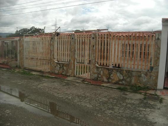 Casas En Venta El Recreo Cabudare 19-9947 Rg