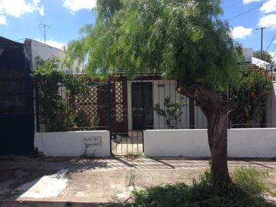 Casa Tipo Monoambiente Ideal Para Estudio, Abitab, Centrico.