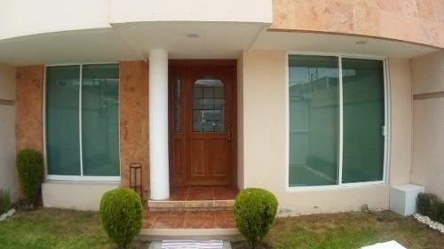 Vendo Casa En Fraccionamiento 3 Habitaciones 4 Baños Y 4 Est