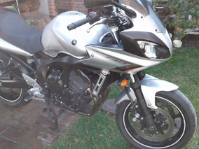 Yamaha Fazer 600 S2. Maletas Monokey Impecable