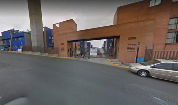 Departamento En Av. Centenario