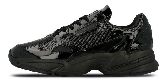 Tenis adidas Falcon W Mujer Triple Black Tekno 90 Fila Retro