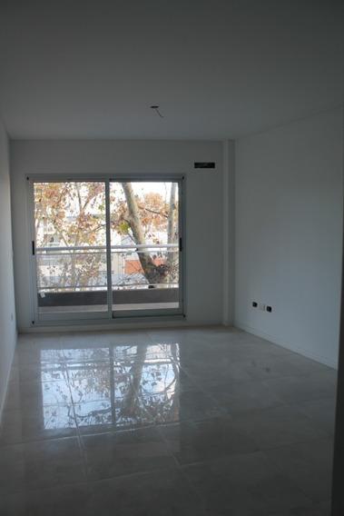 2 Ambientes Con Dormitorio En Suite Y Toilette En Palermo