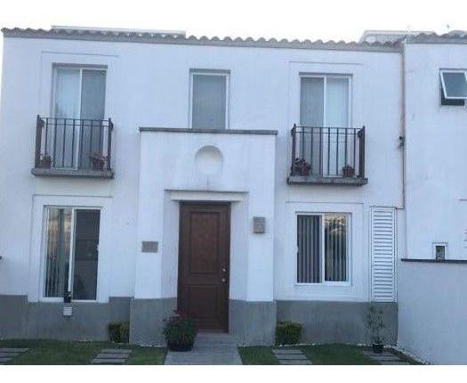 Zv1302.1-fina Residencia En Enclave Condominal, Club De Golf Vista Santa Fe.