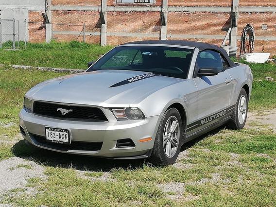 Ford Mustang Lujo V6 Standar 2010