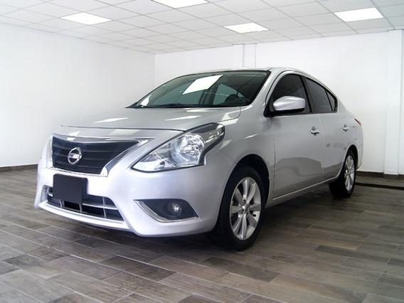 Nissan Versa Advance 2017 Plata