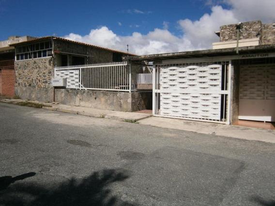 Anexo Apart En Alquiler Rah, Cumbres De Curumo, Rent A House