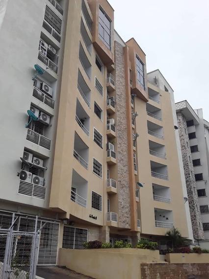 Apartamento En Los Chaguaramos, Maracay / Paola 04144685758