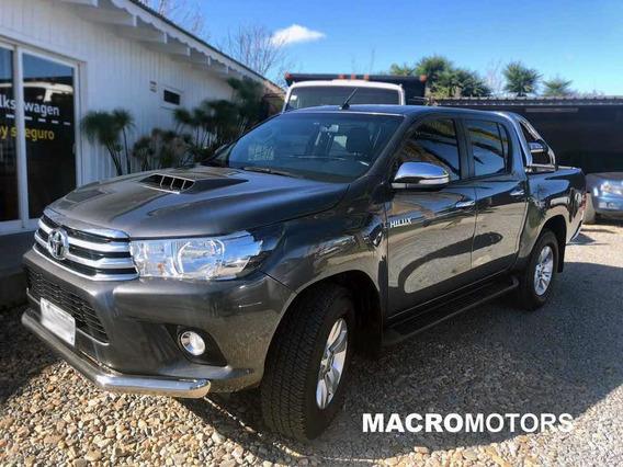 Toyota Hilux 3.0 Cd Srv Tdi 171cv 4x2 2016
