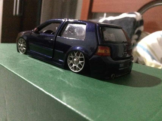 Miniatura Golf R32 1:24