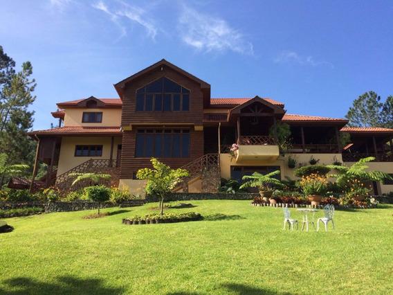 Villa De Venta En Jarabacoa Rmv-155