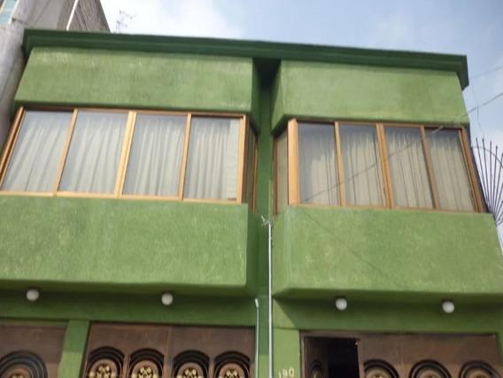 Casa Dividida En Dos Departamentos Para Inversionistas /