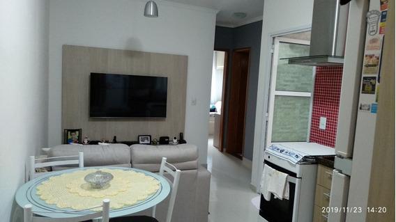 Excelente Apartamento Com 2 Quartos, Sala, Cozinha, Banheiro