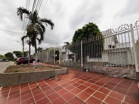 Arriendo Casa En Ciudad Jardin,barranquilla