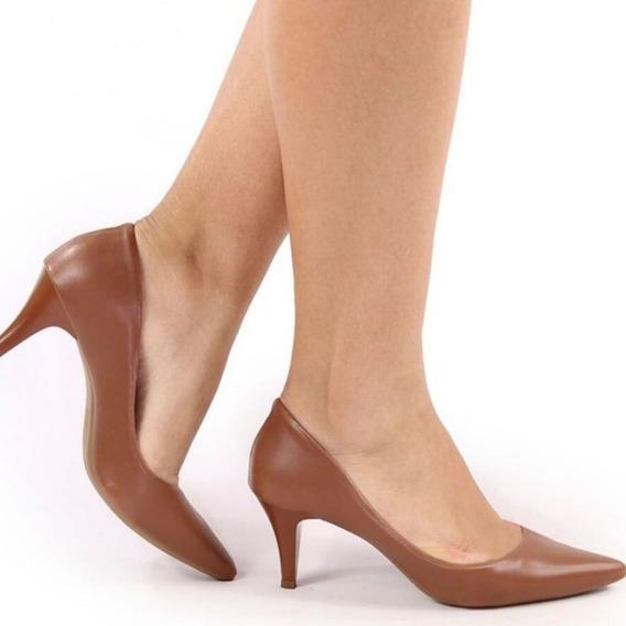 Sapato Scarpin Preto Verniz Bico Fino Salto Médio 6,5 Cm