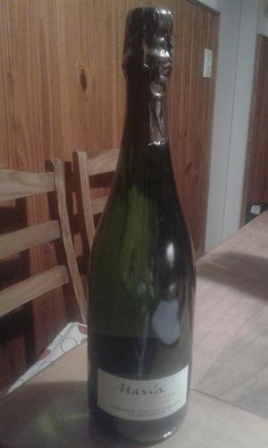 Champagne Maria Codorniu.