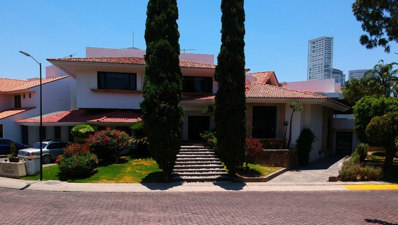 Casa Residencial En Venta En Zapopan Jal. Colonia Real San Bernardo