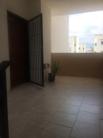Comodo Apartamento En Santa Rita Maracay