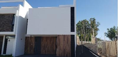Casa En Venta Solares Coto Lago Norte En Zapopan Zona Real