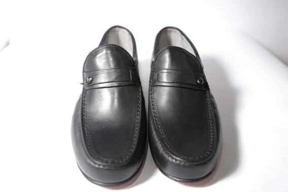 Zapato De Cuero, Horma Ancha, Y Cosidos