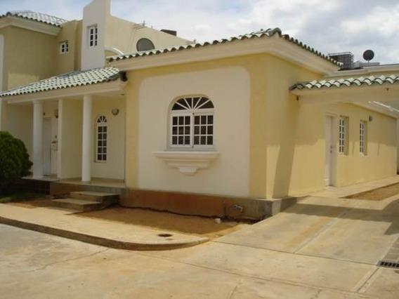 Townhouse En Venta, Oasis I , Fuerzas Armadas- Eduardo Moran