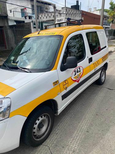 Taxi Peugeot Partner 2019, 113.00 Km