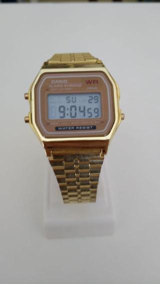 Relógio Retro Pulseira De Aço Dourado