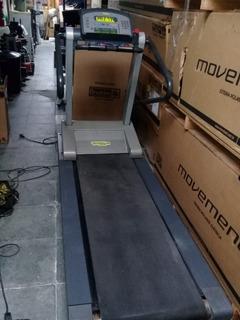 Esteira Technogym Run 600 Xt Pro Profissional - Usada