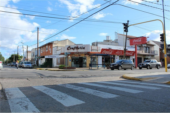 Galpón Comercial + Local + Vivienda