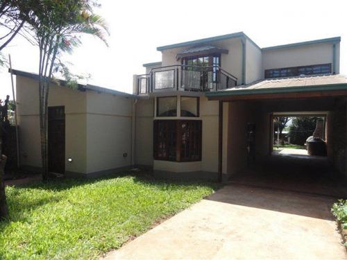 Imagen 1 de 27 de Imponente Casa En Venta En Barrio Altos De Bella Vista