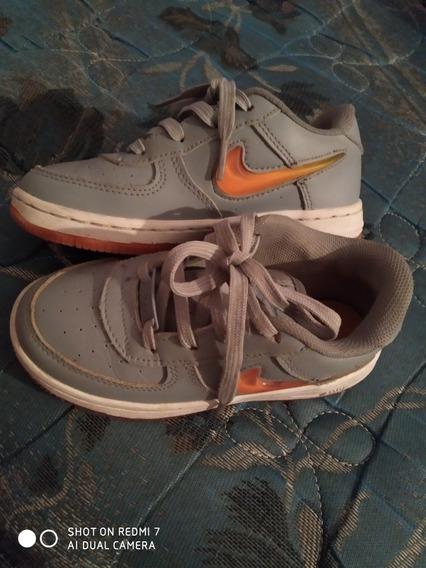 Vendo Zapatillas Número 29/30 Originales. 4 Usos Exactamente