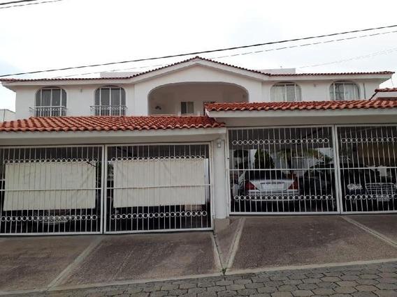 Se Renta Departamento Amueblado,en Fracc. Jardinados En Villas De Irapuato