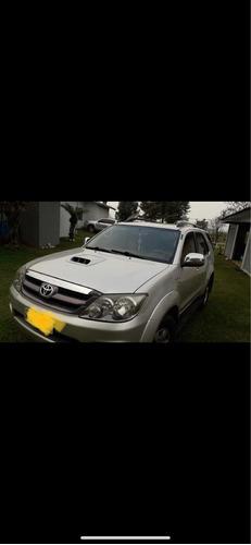Imagem 1 de 5 de Toyota Sw4 2007 3.0 Srv 7l 4x4 Aut. 5p