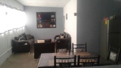 Bonita Casa En Venta De 3 Niveles En Colonia Pirules, Nezah