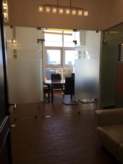 Oficina En Alquiler Amueblada En Piantini 68 M2