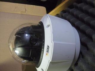 Câmera Ptz Dome Axis Q6032-e - Zoon 35x / Externa