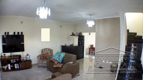 Sobrado - Villa Branca - Ref: 10899 - V-10899